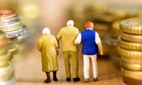 Як вийти на пенсію в 60 років: в Кабміні озвучили вимоги до чоловіків і жінок