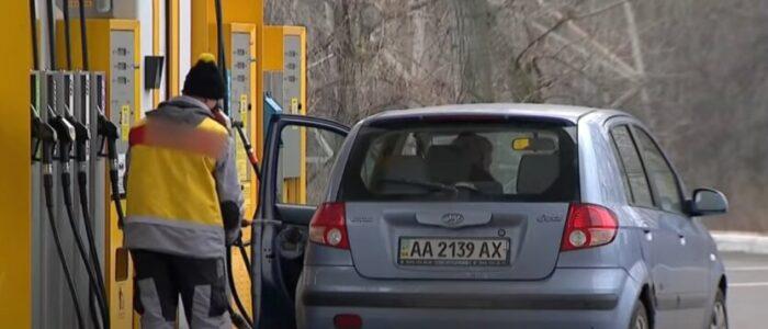АЗС подняли цены на бензин и дизель после постановления Кабмина